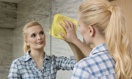 6 sprytnych sposobów na szybkie porządki po imprezie sylwestrowej